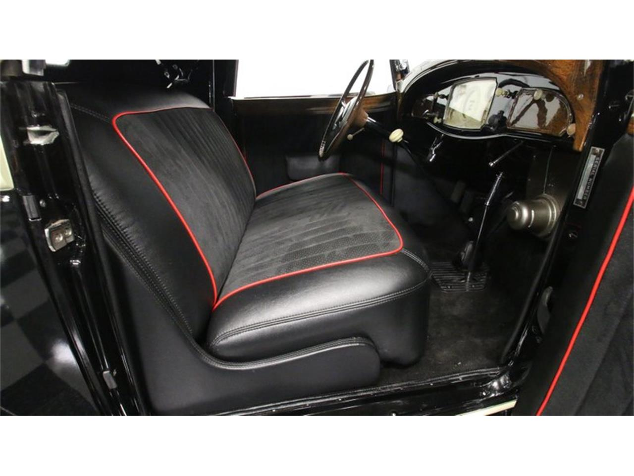 Large Picture of Classic '33 Chrysler Imperial - $159,995.00 - QPTQ
