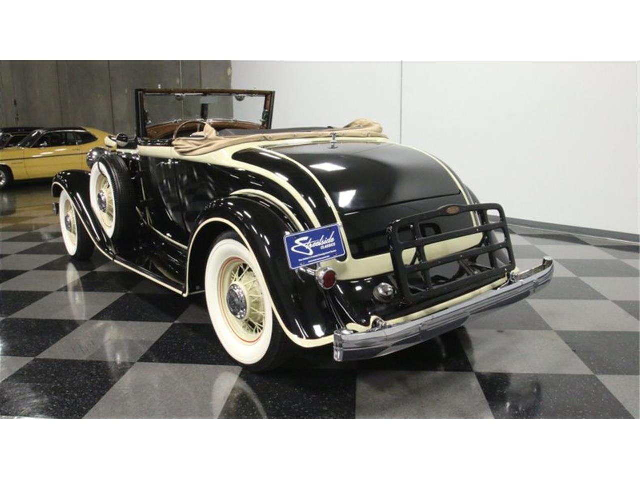 Large Picture of '33 Chrysler Imperial - QPTQ