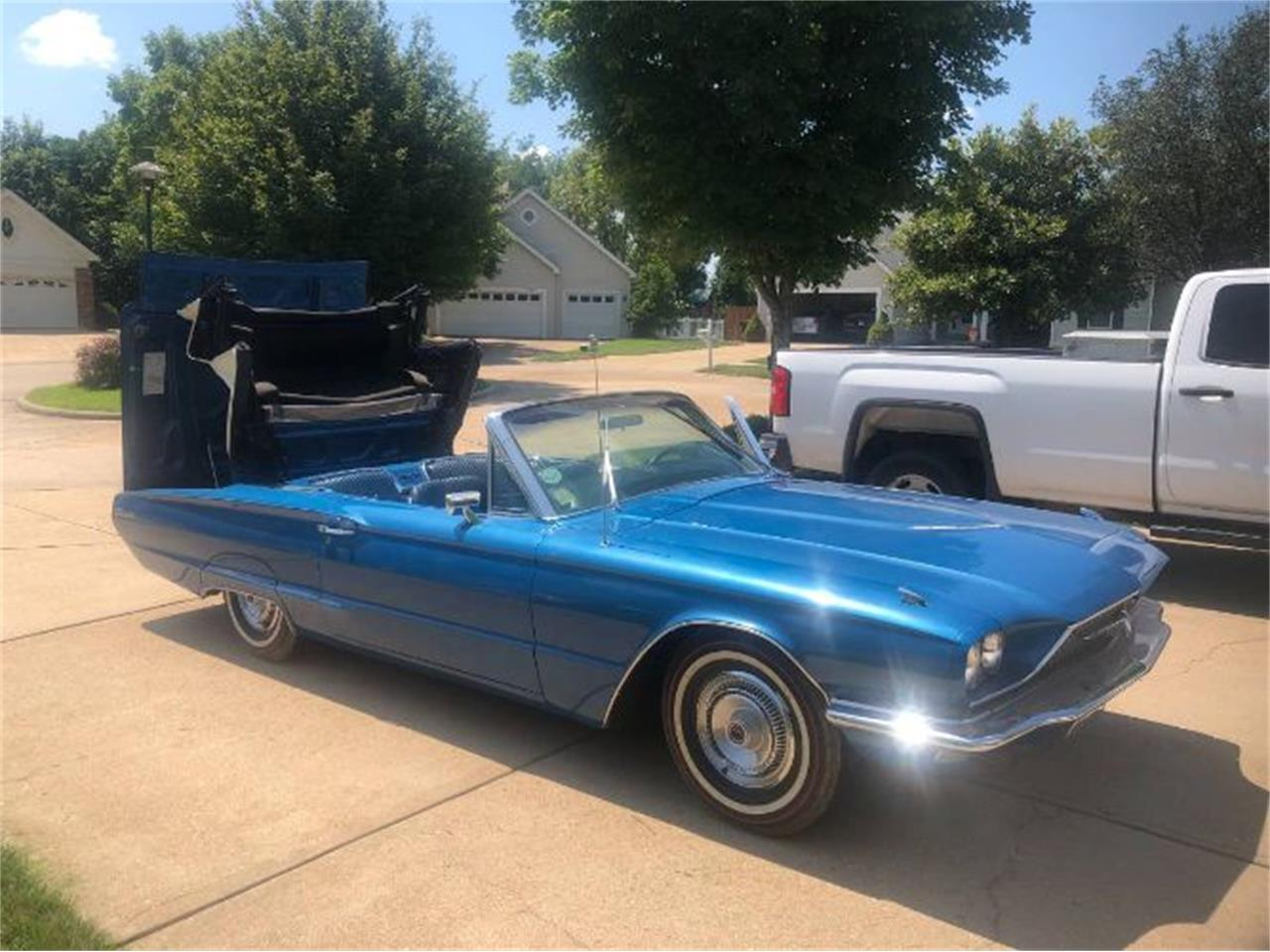 Large Picture of '66 Thunderbird - QPXV