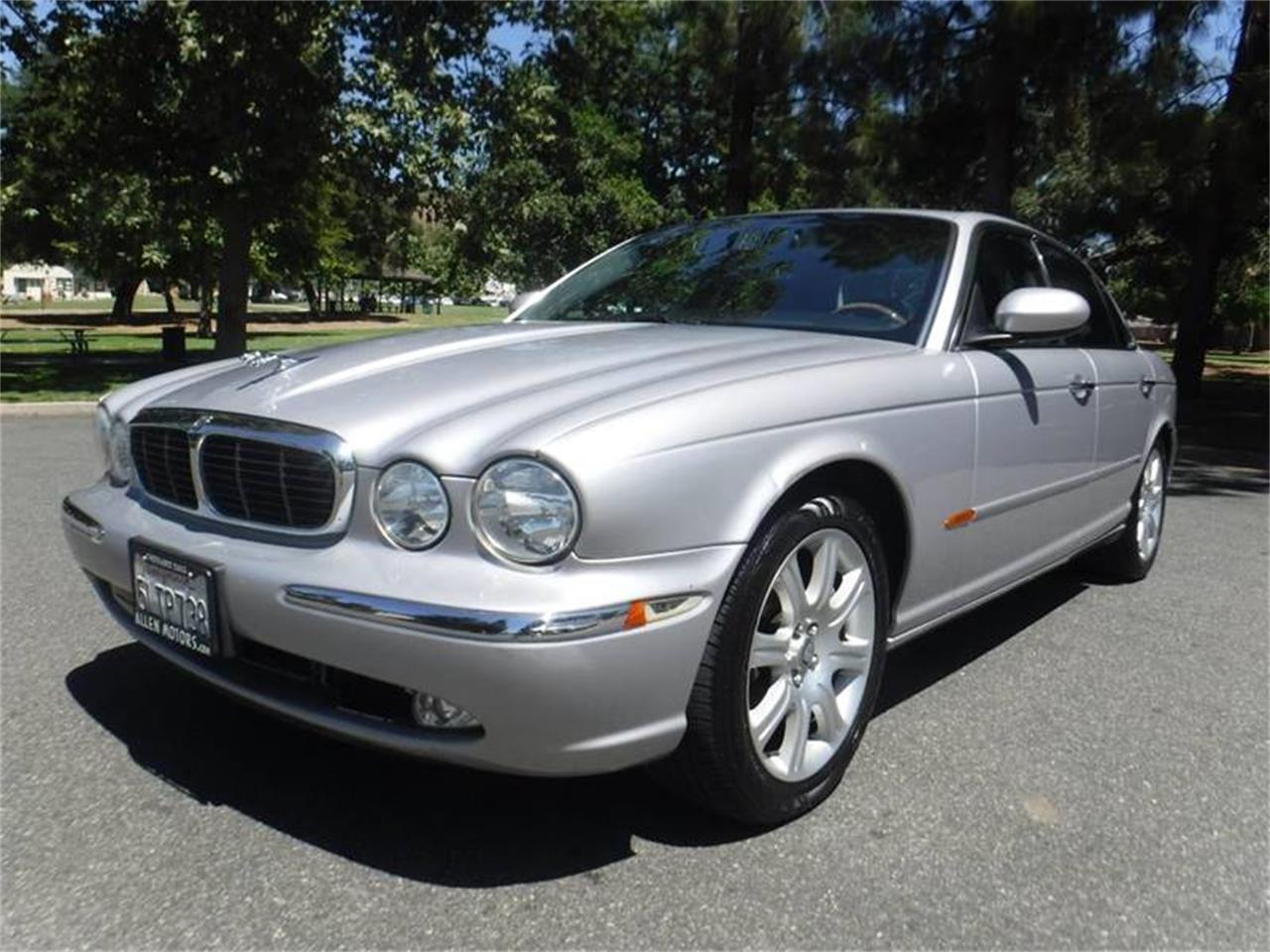 Large Picture of '04 Jaguar XJ - $9,995.00 - QQ0T