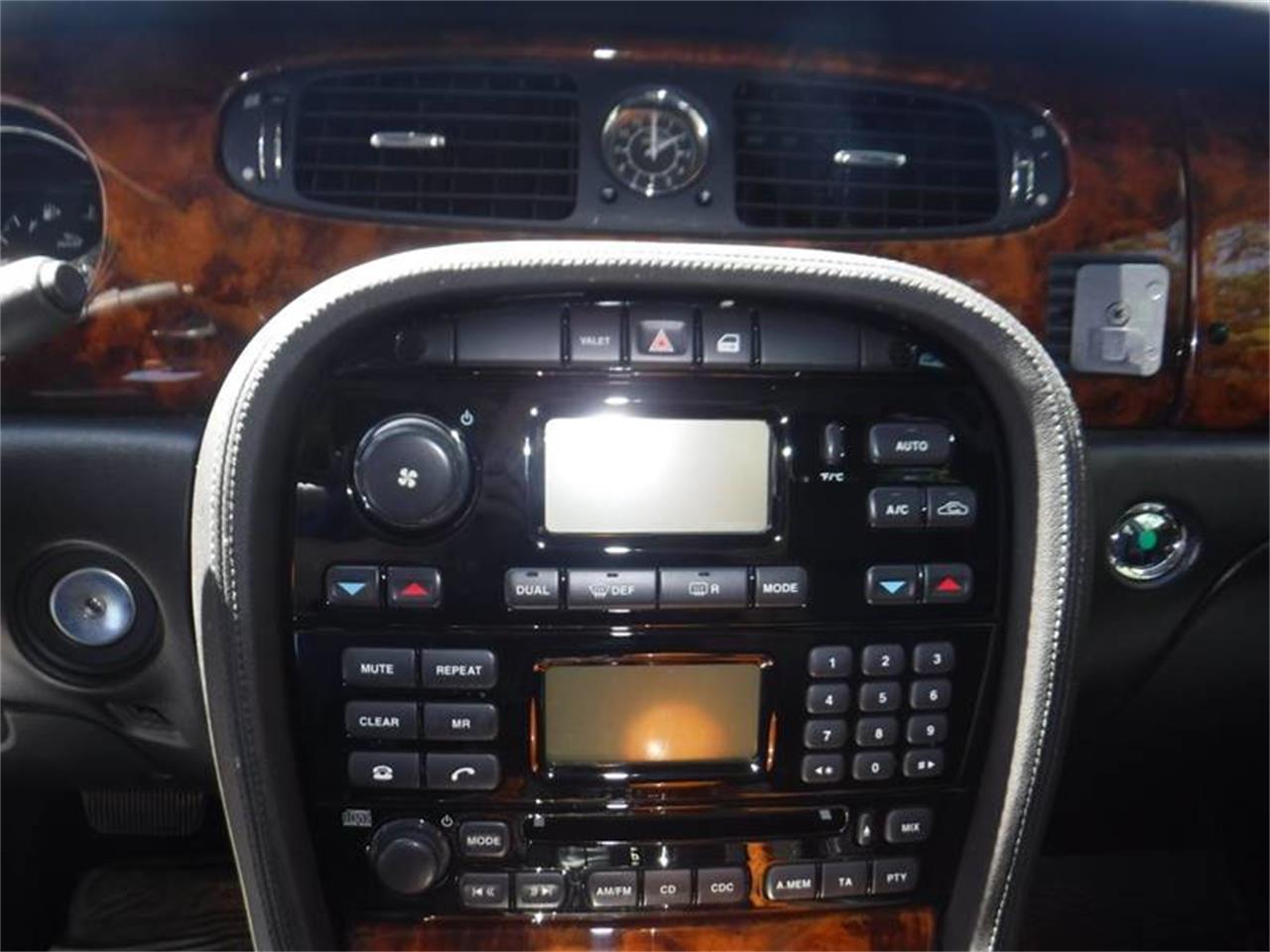 Large Picture of 2004 Jaguar XJ - QQ0T