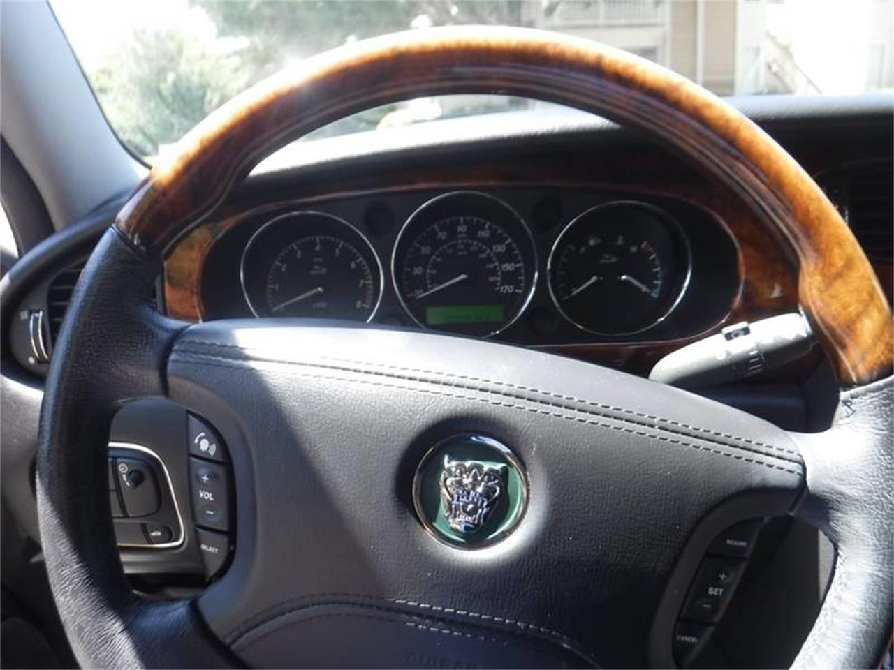 Large Picture of '04 Jaguar XJ Offered by Allen Motors, Inc. - QQ0T