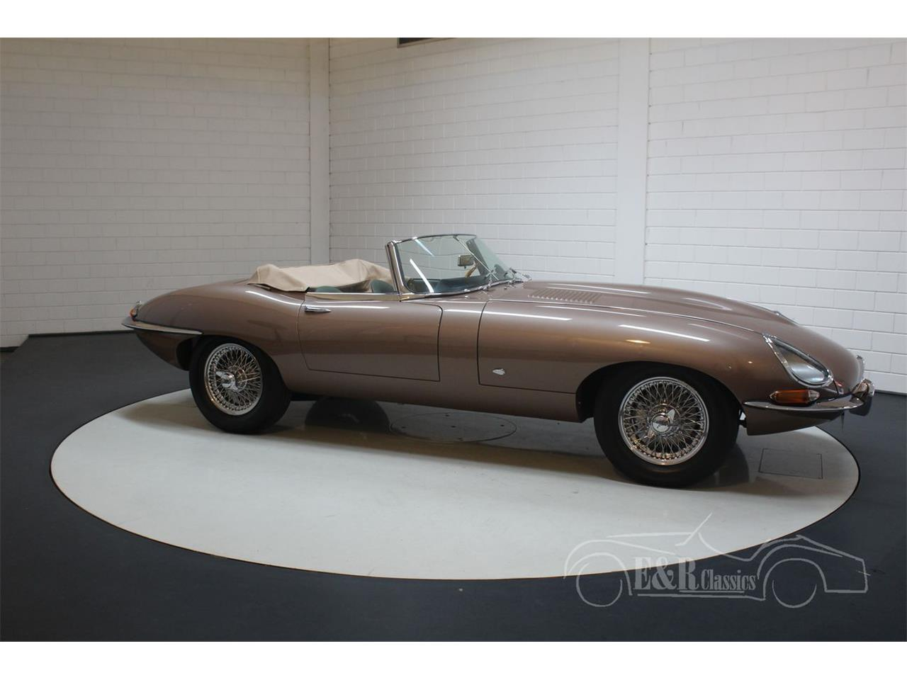 Large Picture of '61 E-Type - QQ1H