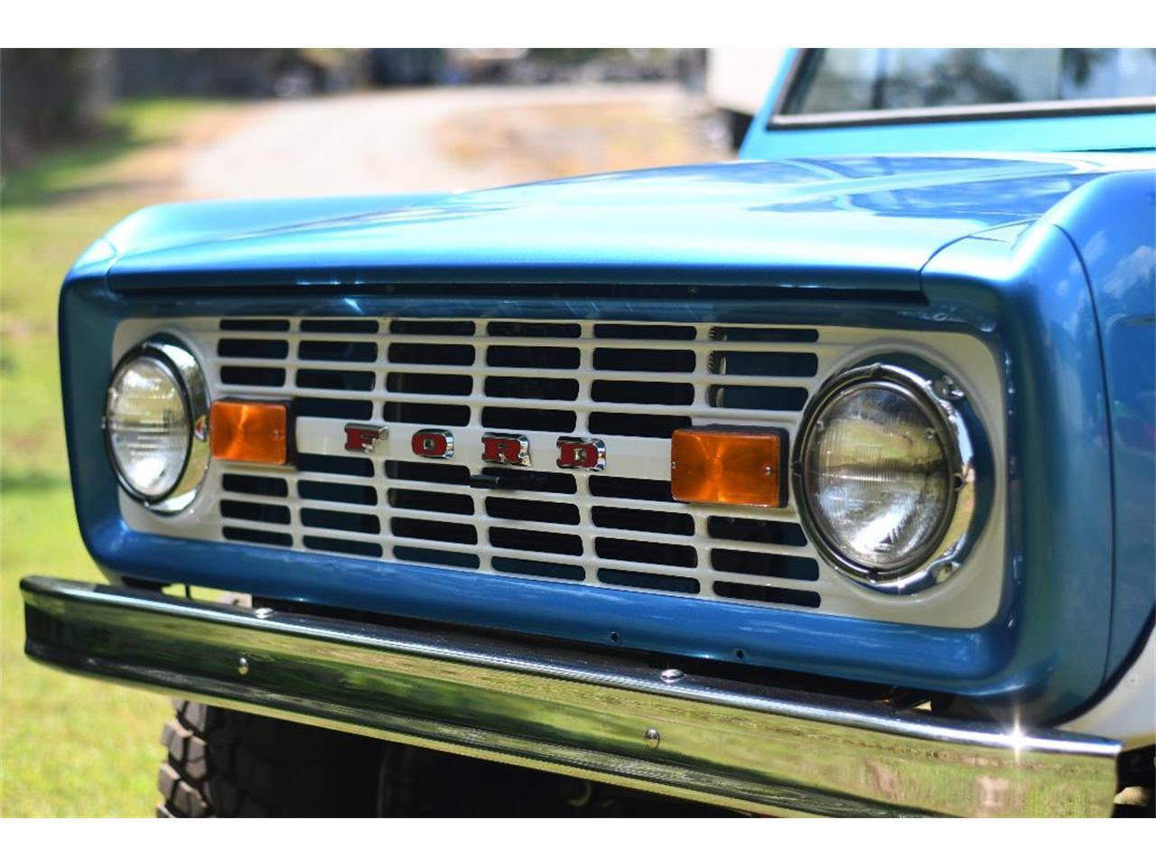 Large Picture of '67 Bronco - QQ1P