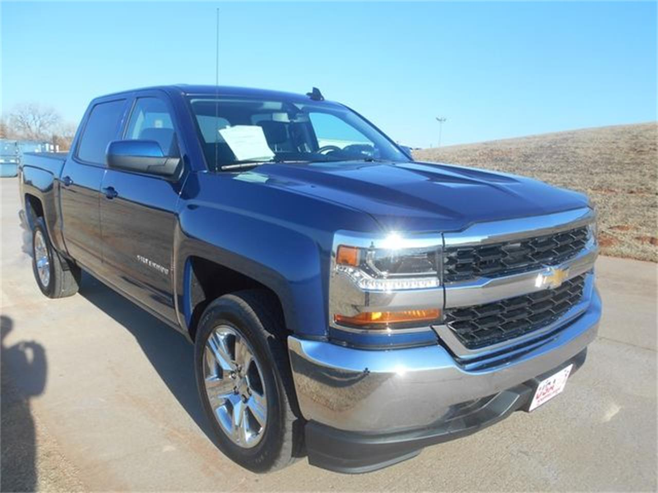 Large Picture of '17 Silverado - QLBE