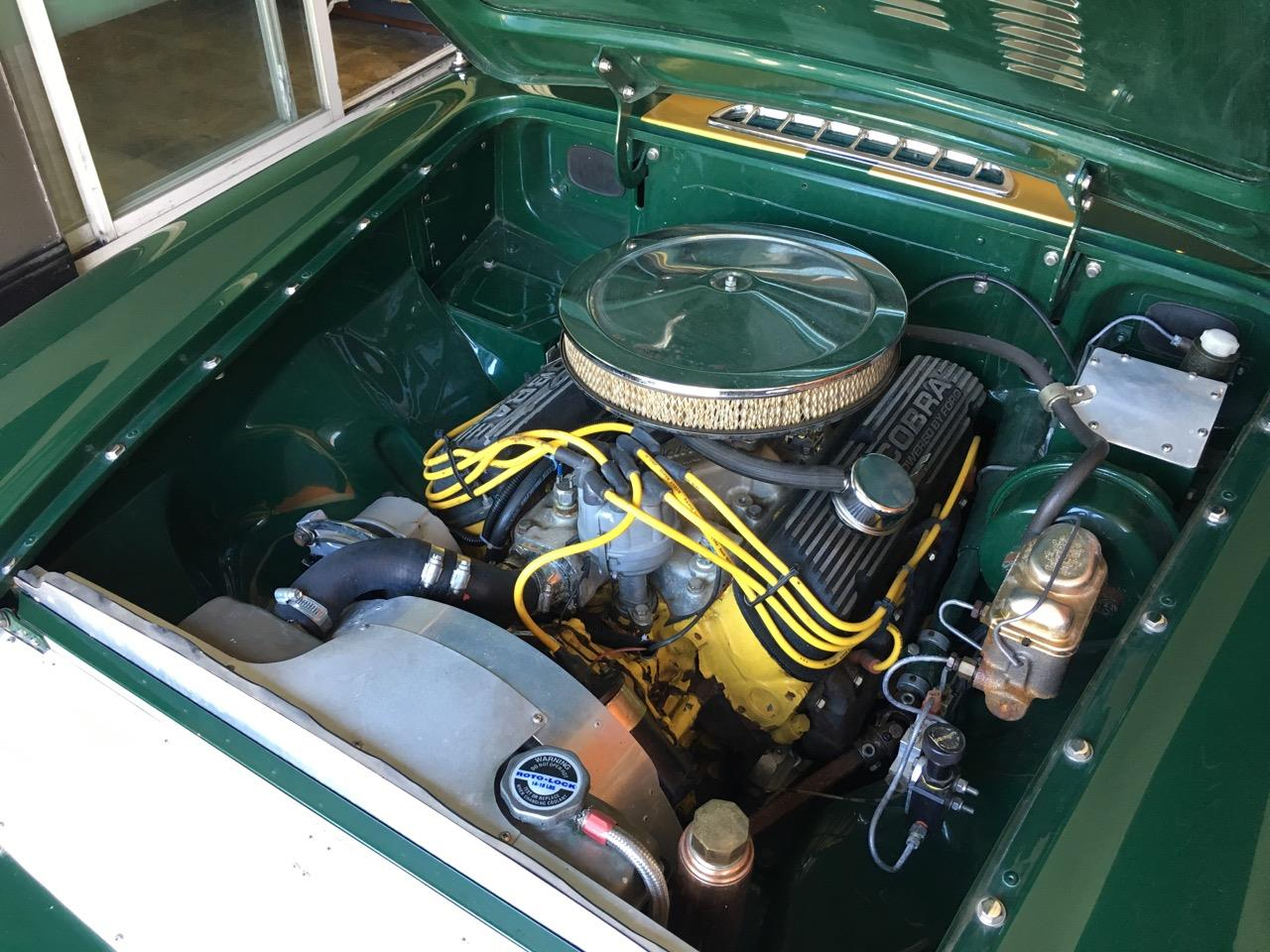 Large Picture of '69 MGB GT - QQ20