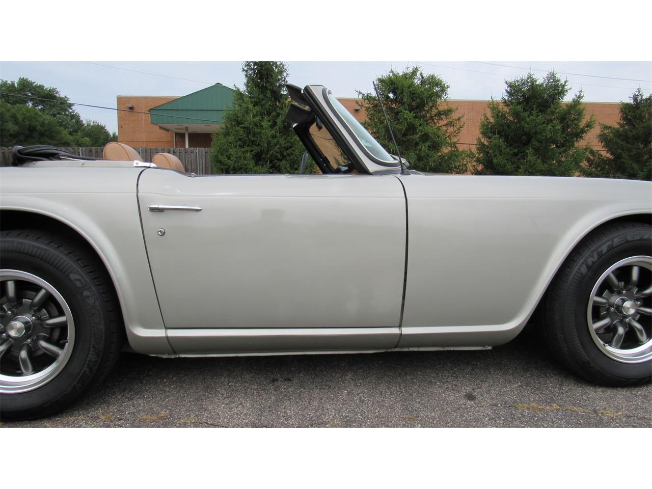 Large Picture of '69 TR6 - QQ25