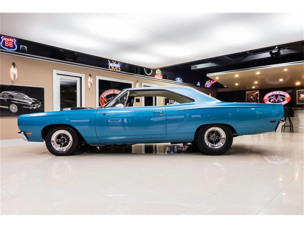 Large Picture of 1969 Road Runner located in Michigan - $89,900.00 - QQ5A