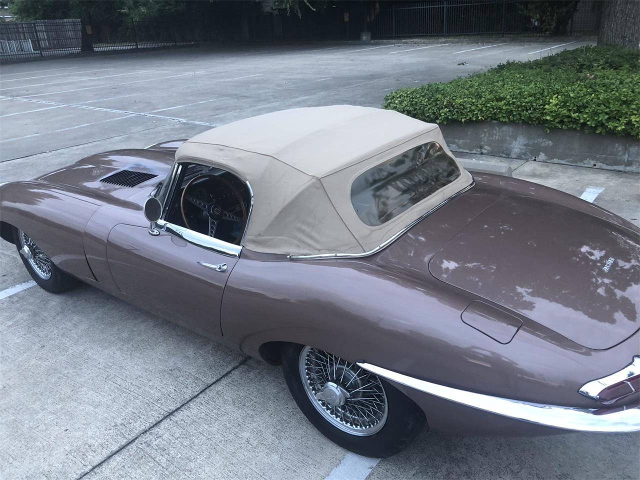 Large Picture of '63 XKE - QQ73