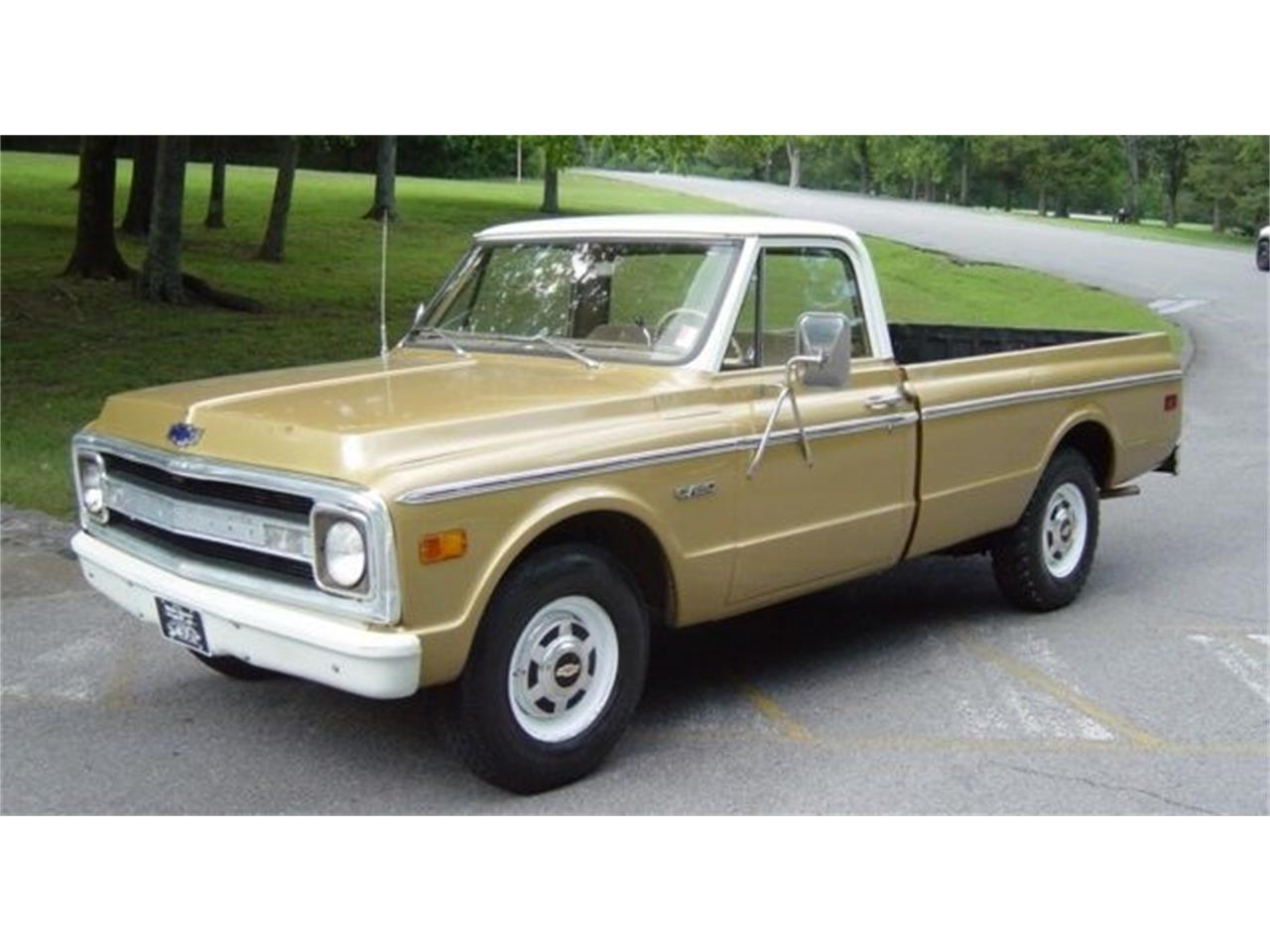 Large Picture of Classic 1970 Chevrolet C20 located in Tennessee - $5,950.00 Offered by Maple Motors - QQ8U