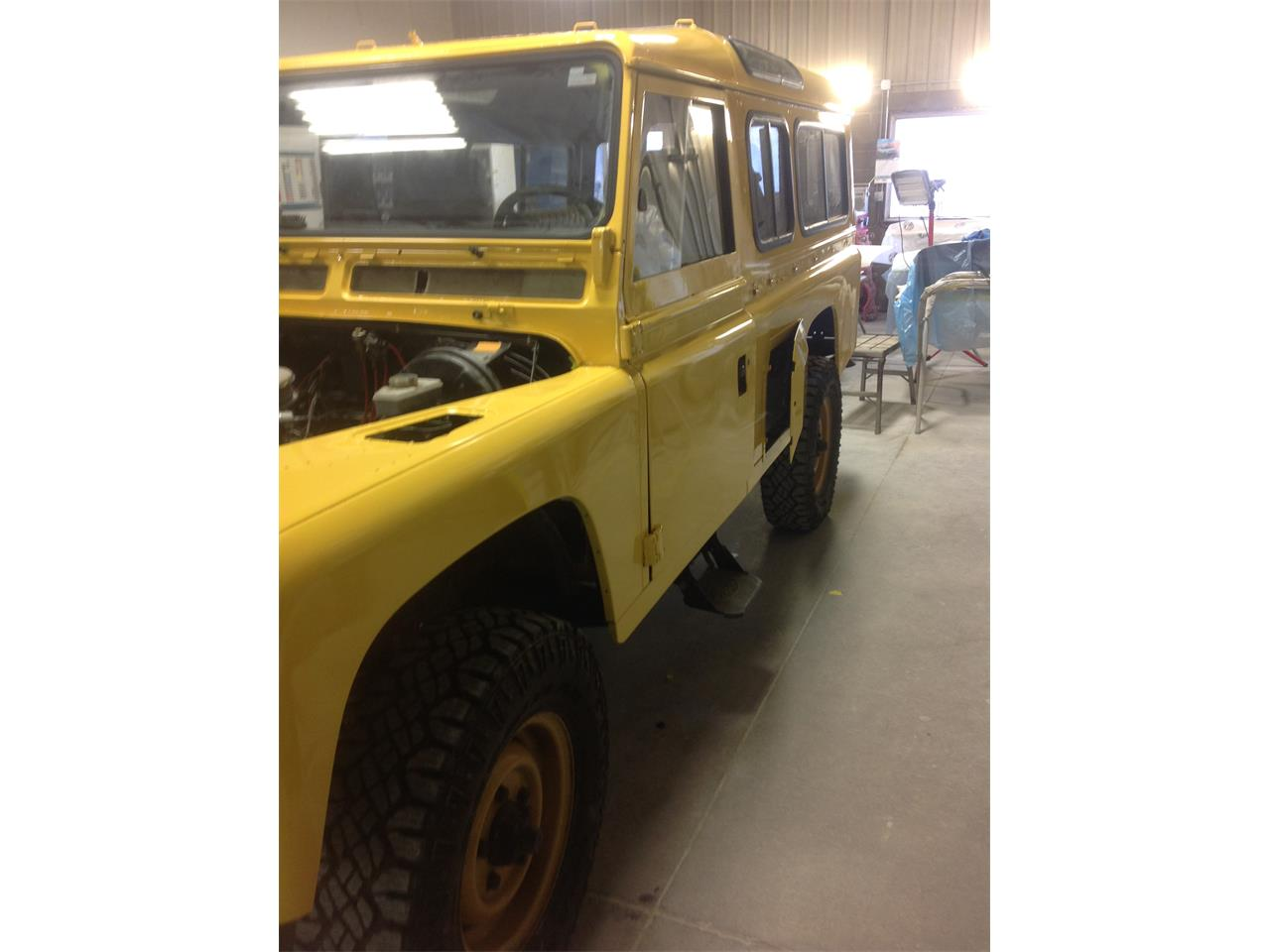 Large Picture of '84 Defender - QQ9A