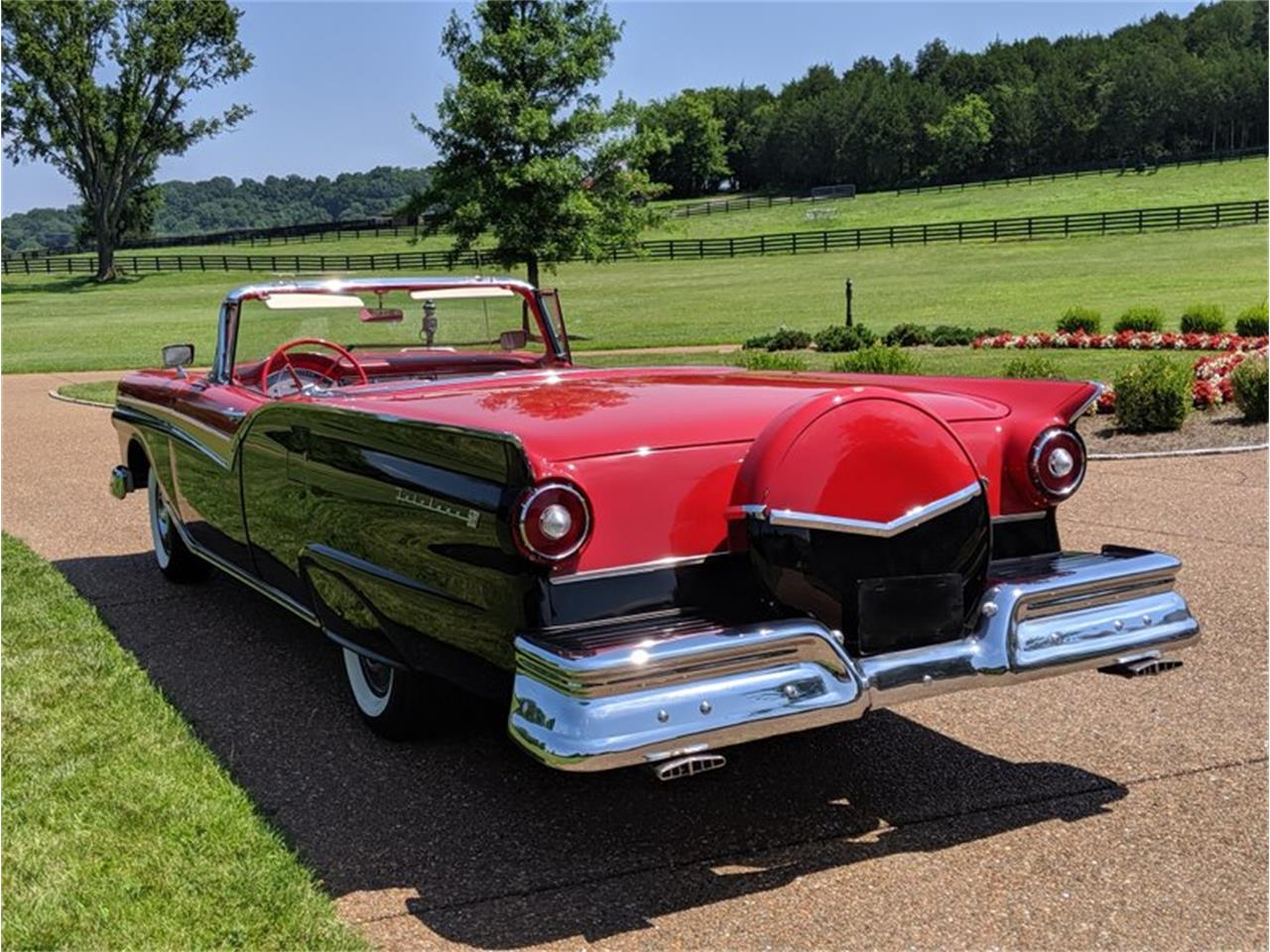Large Picture of Classic 1957 Fairlane Auction Vehicle Offered by GAA Classic Cars Auctions - QQA0