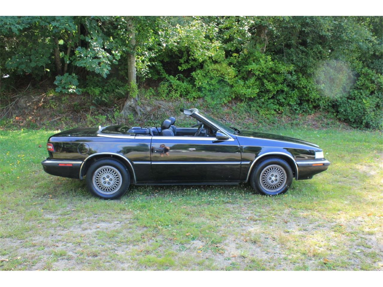 Large Picture of '90 Chrysler TC by Maserati Auction Vehicle - QQBD