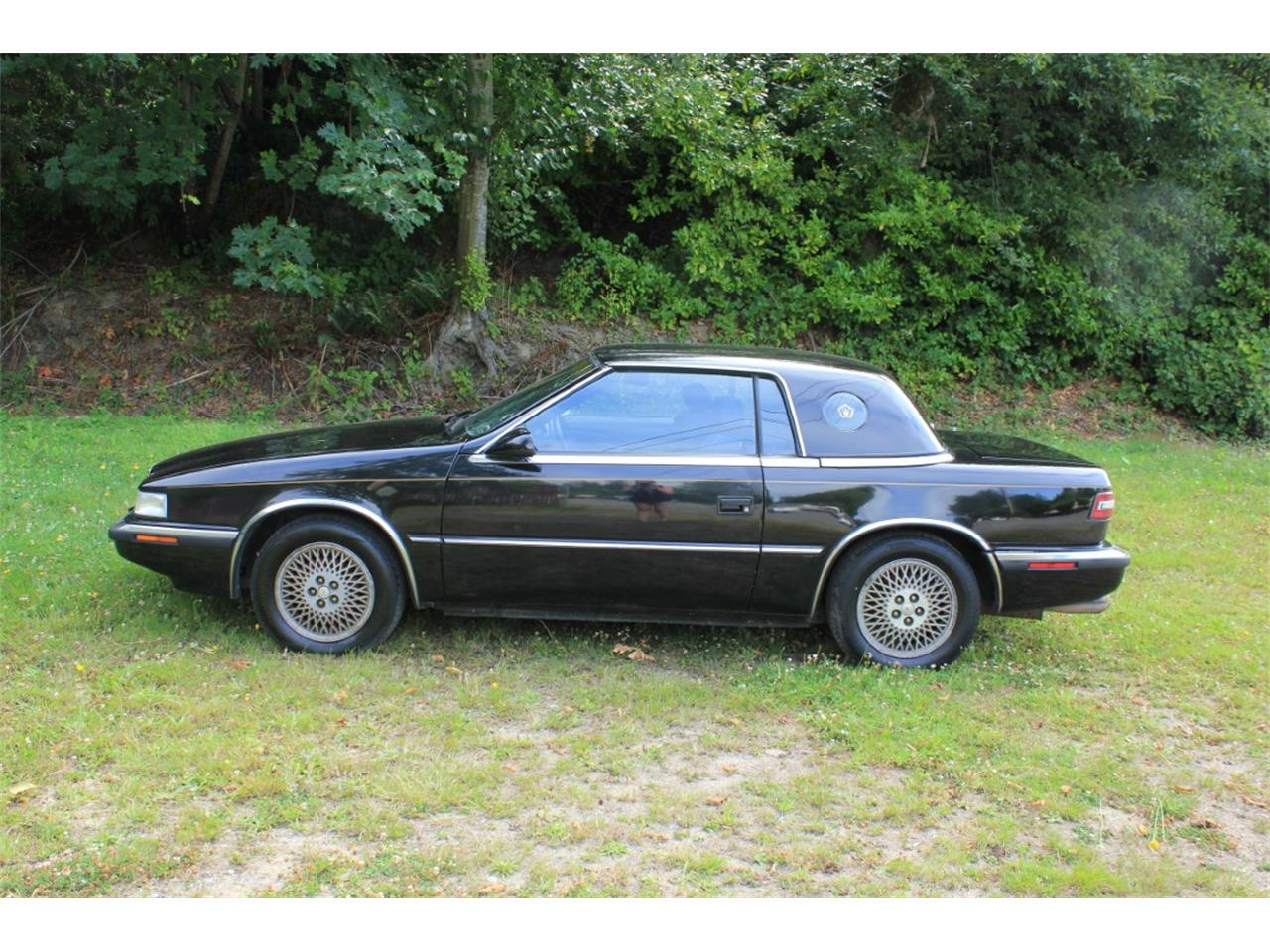 Large Picture of '90 Chrysler TC by Maserati located in TACOMA Washington - QQBD