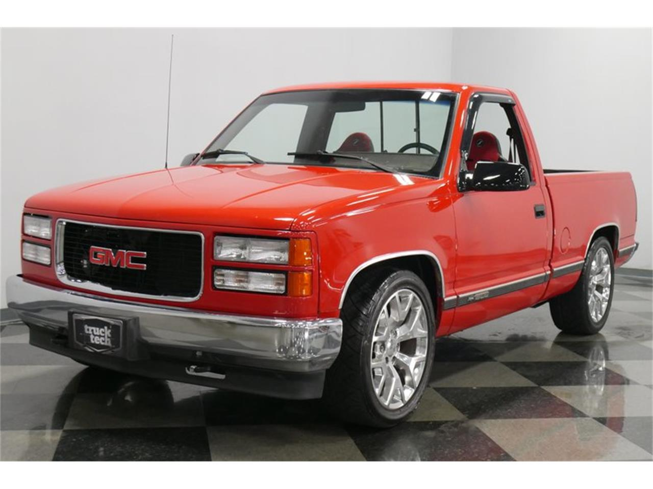 Large Picture of 1988 Chevrolet K-1500 located in Tennessee - $29,995.00 Offered by Streetside Classics - Nashville - QQDV