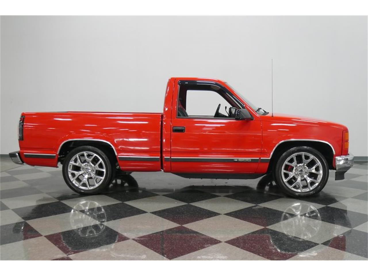 Large Picture of '88 K-1500 Offered by Streetside Classics - Nashville - QQDV