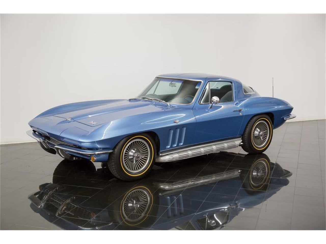 Large Picture of '66 Corvette - QQFL