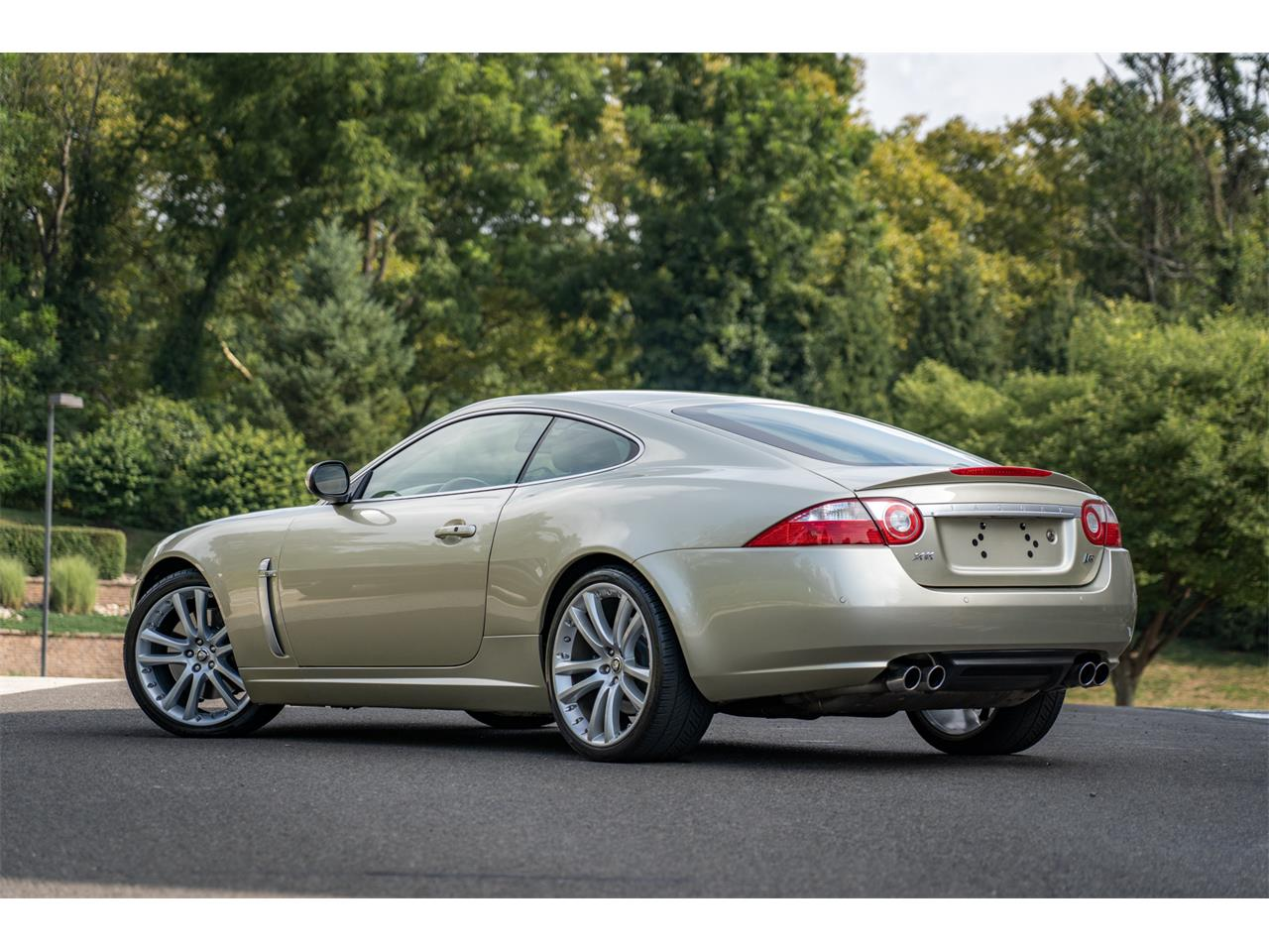 Large Picture of 2008 Jaguar XKR located in Pennsylvania Offered by Bring A Trailer - QQG3