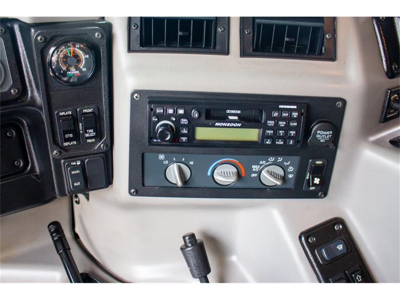 Large Picture of 2002 Hummer H1 located in Maryland Auction Vehicle - QQHC