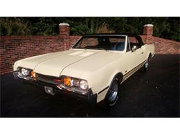 Picture of Classic 1967 Oldsmobile Cutlass located in Huntingtown Maryland Offered by Old Town Automobile - QQI8