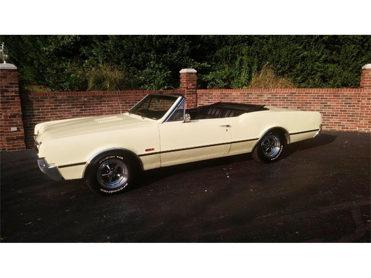 Large Picture of '67 Cutlass located in Huntingtown Maryland - $24,900.00 - QQI8