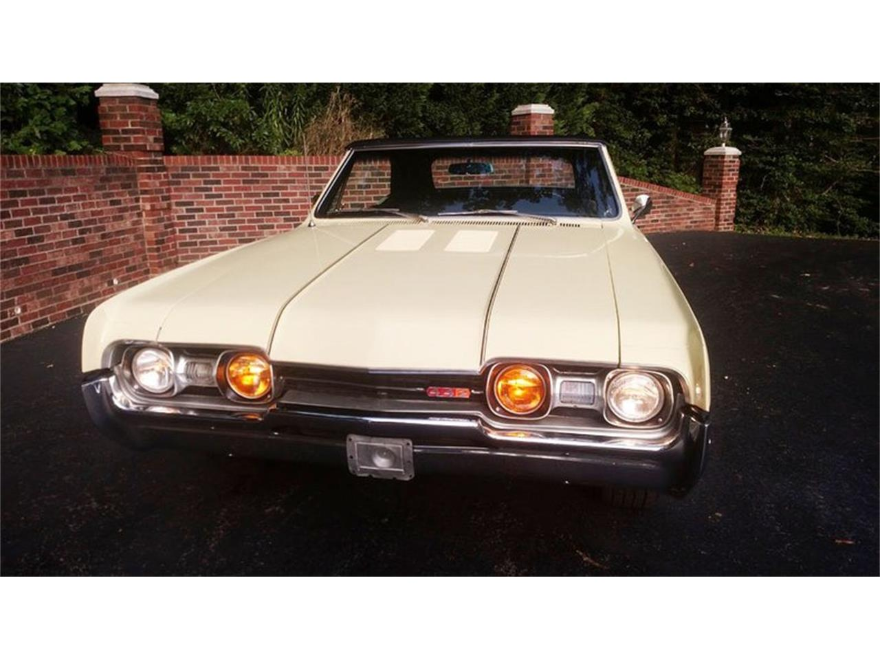 Large Picture of Classic '67 Oldsmobile Cutlass located in Maryland - $24,900.00 Offered by Old Town Automobile - QQI8