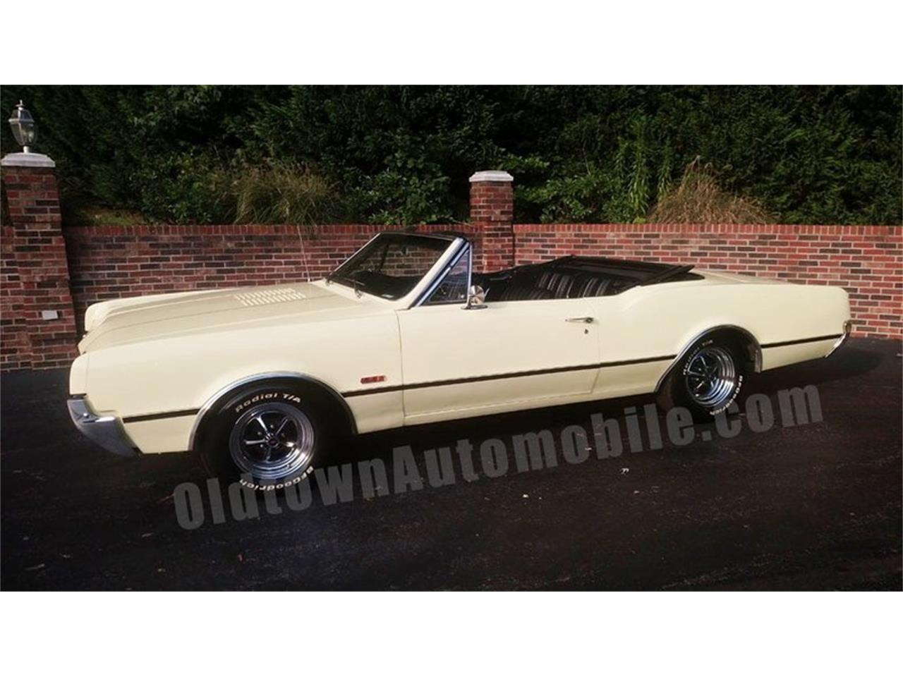 Large Picture of 1967 Cutlass located in Huntingtown Maryland Offered by Old Town Automobile - QQI8