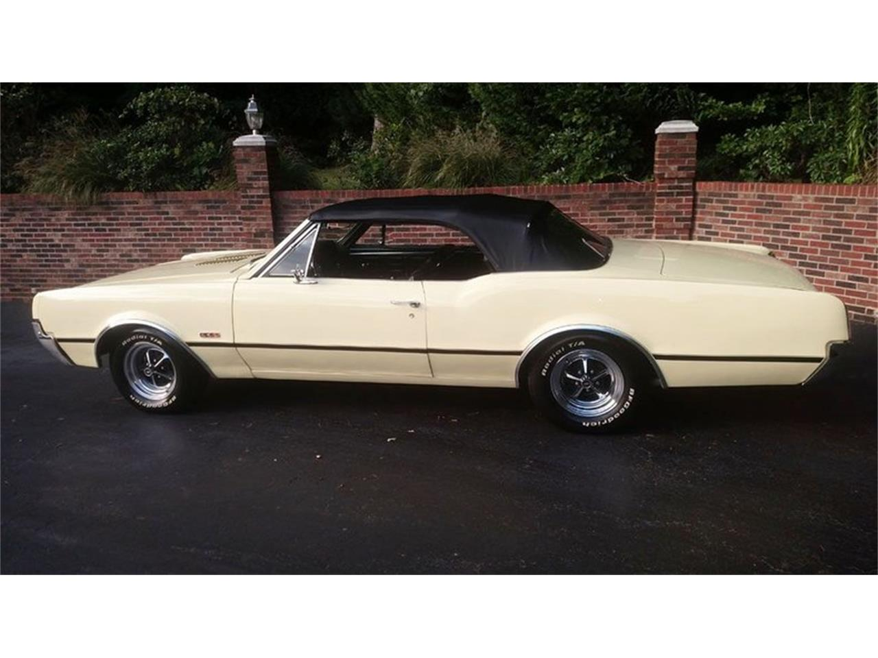 Large Picture of '67 Cutlass located in Maryland - $24,900.00 Offered by Old Town Automobile - QQI8