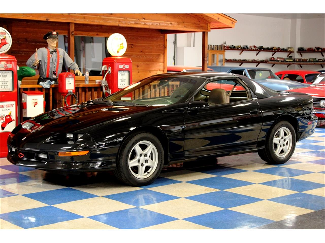 Large Picture of '97 Chevrolet Camaro located in New Braunfels Texas - $14,900.00 - QQJ5