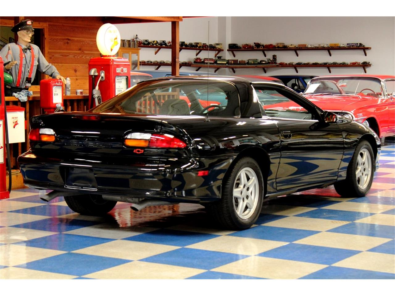 Large Picture of 1997 Chevrolet Camaro located in New Braunfels Texas - $14,900.00 - QQJ5