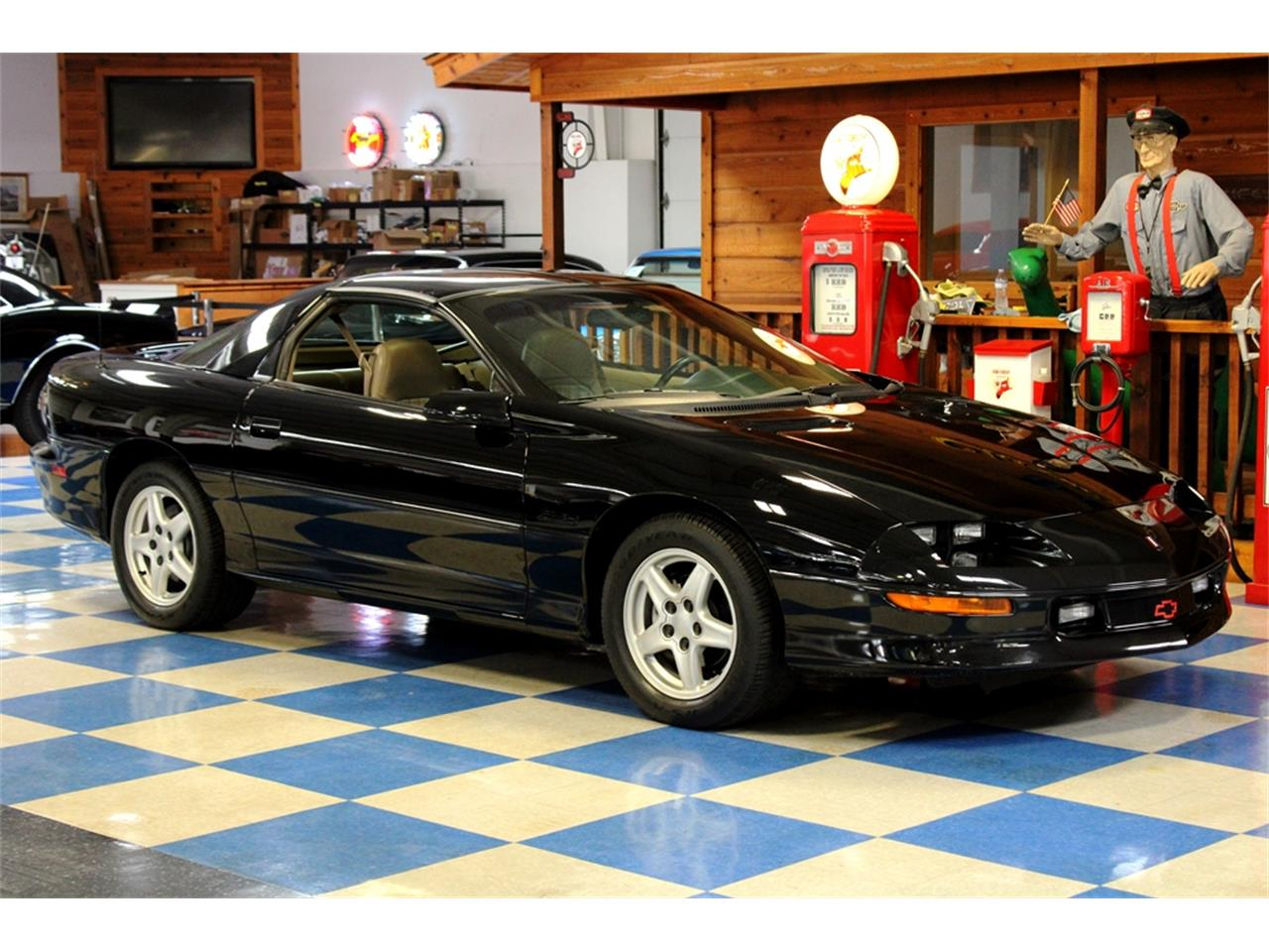 Large Picture of '97 Camaro - $14,900.00 - QQJ5