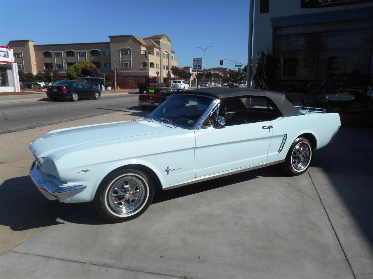 Large Picture of '65 Ford Mustang - QQJO