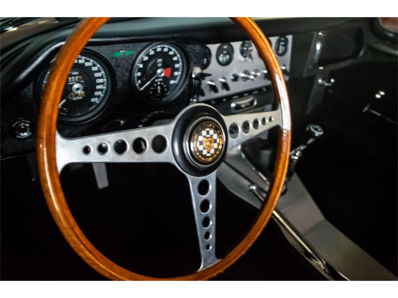 Large Picture of Classic '62 E-Type - QQL2