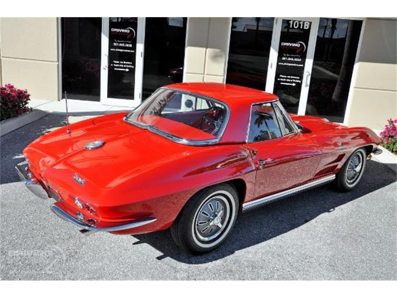 Large Picture of '64 Corvette - QQOA