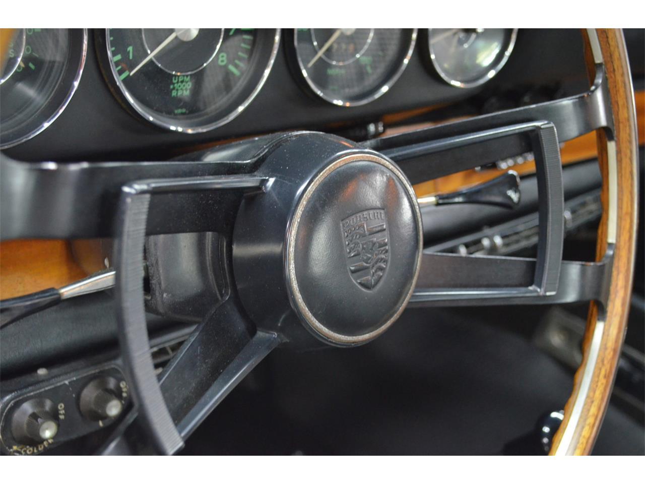 Large Picture of Classic 1965 Porsche 911 Auction Vehicle - QQUH