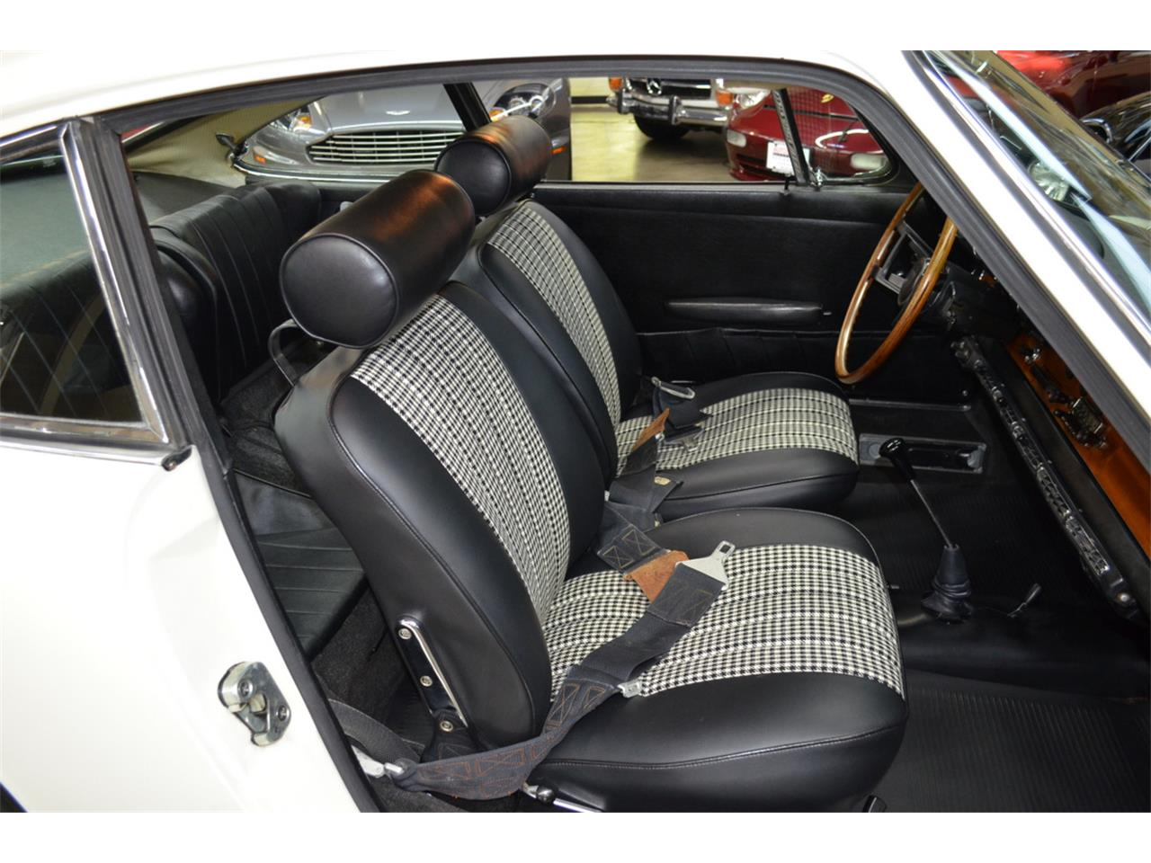 Large Picture of Classic 1965 Porsche 911 located in Huntington Station New York Auction Vehicle - QQUH