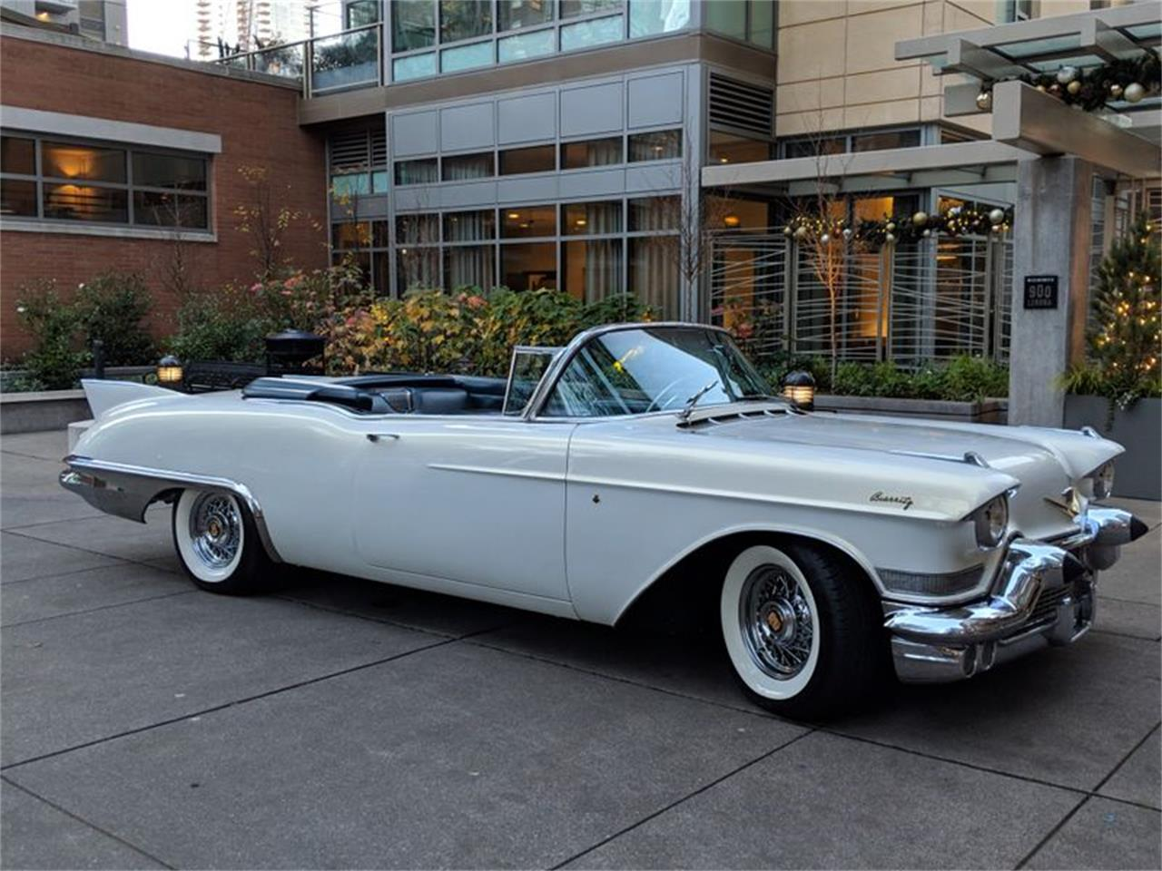Large Picture of 1957 Cadillac Eldorado Biarritz located in Washington Auction Vehicle Offered by Lucky Collector Car Auctions - QQVD