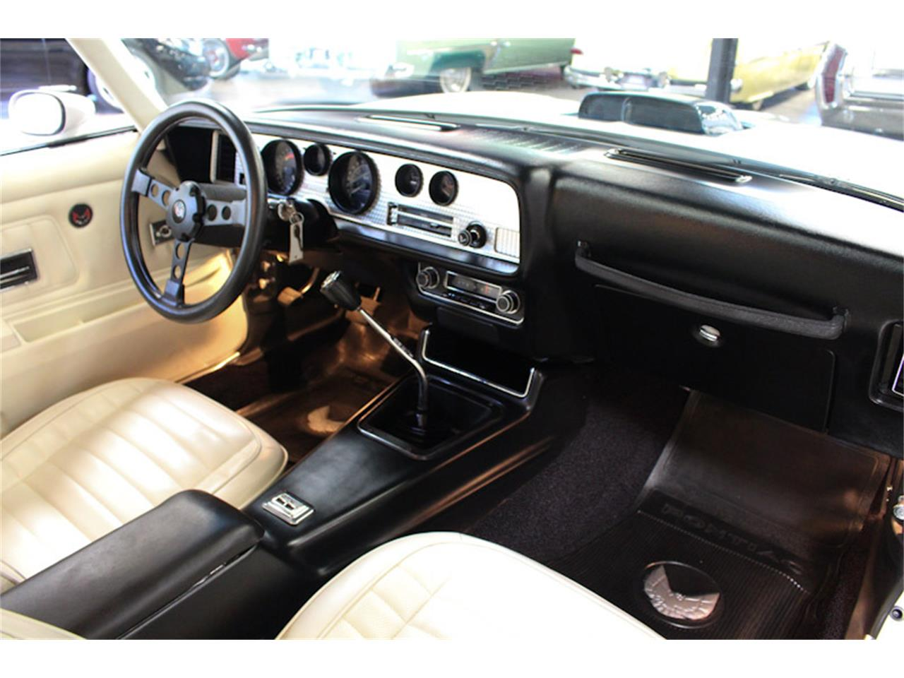 Large Picture of 1972 Pontiac Firebird - QQZ8