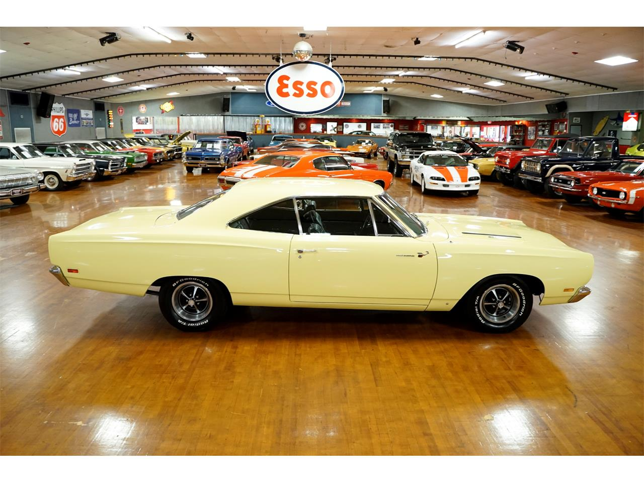 Large Picture of '69 Road Runner - QQZQ