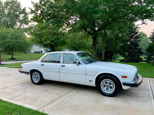 Picture of '85 XJ6 - QR4J
