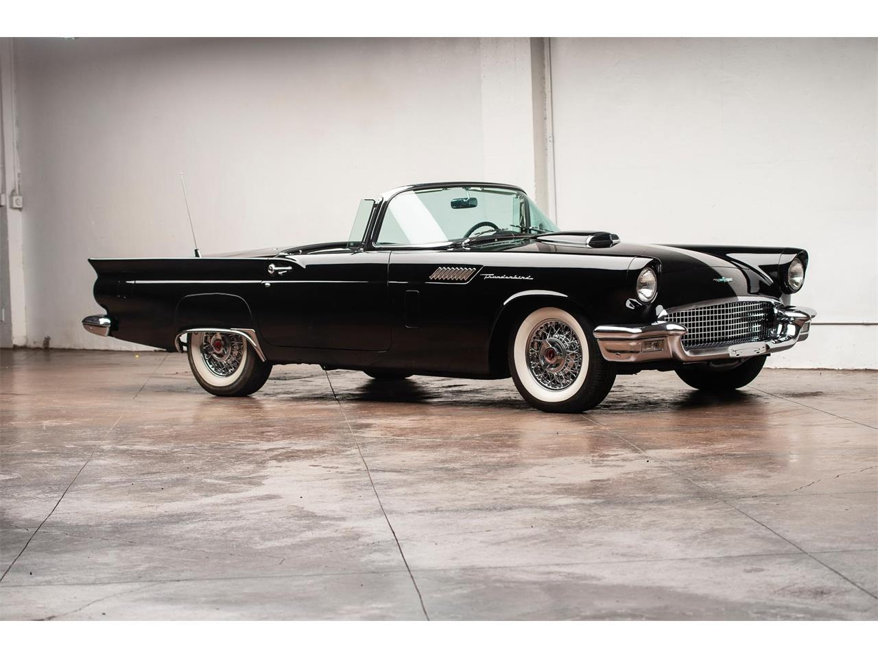 Large Picture of '57 Thunderbird - QR7V