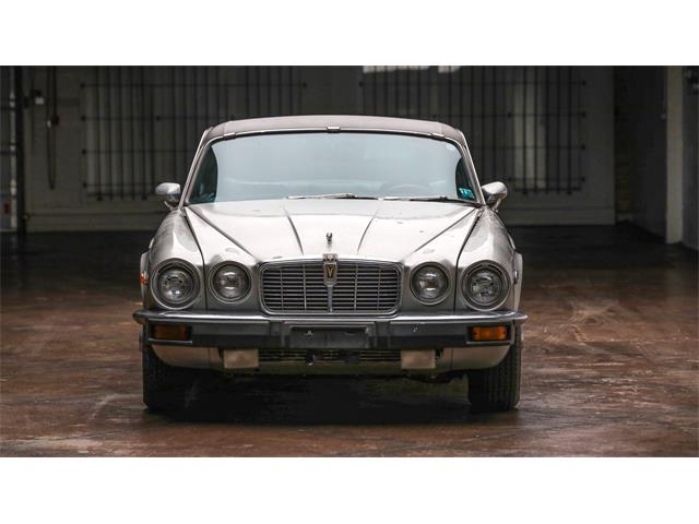 Picture of '76 XJ12 - QR85