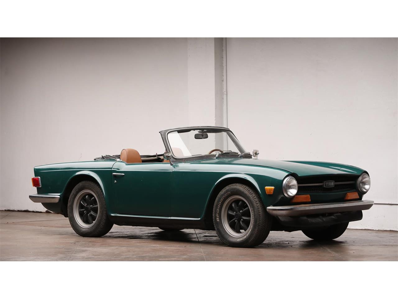 Large Picture of 1972 Triumph TR6 located in Texas Auction Vehicle Offered by Worldwide Auctioneers - QRBA