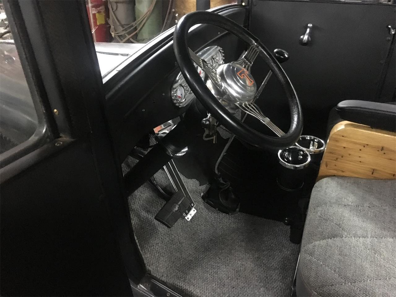Large Picture of '26 4-Dr Sedan - QRCM