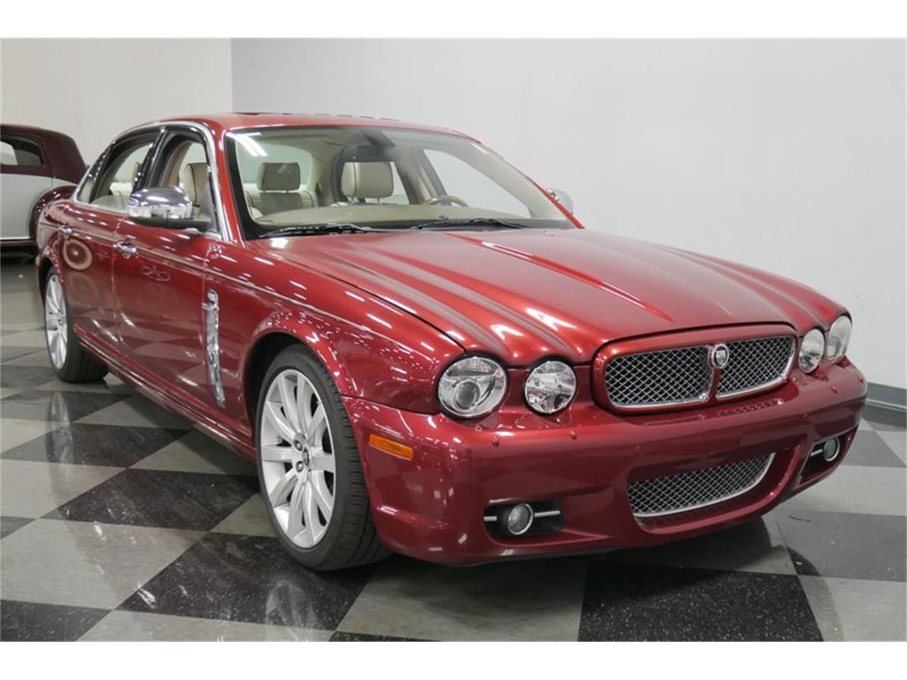 Large Picture of '08 XJ - QRD9