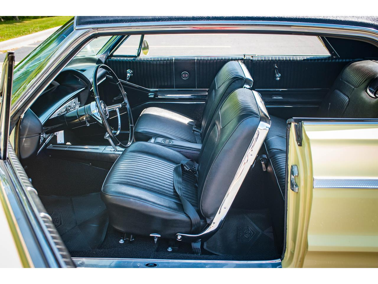 Large Picture of Classic '64 Chevrolet Impala - QRDR
