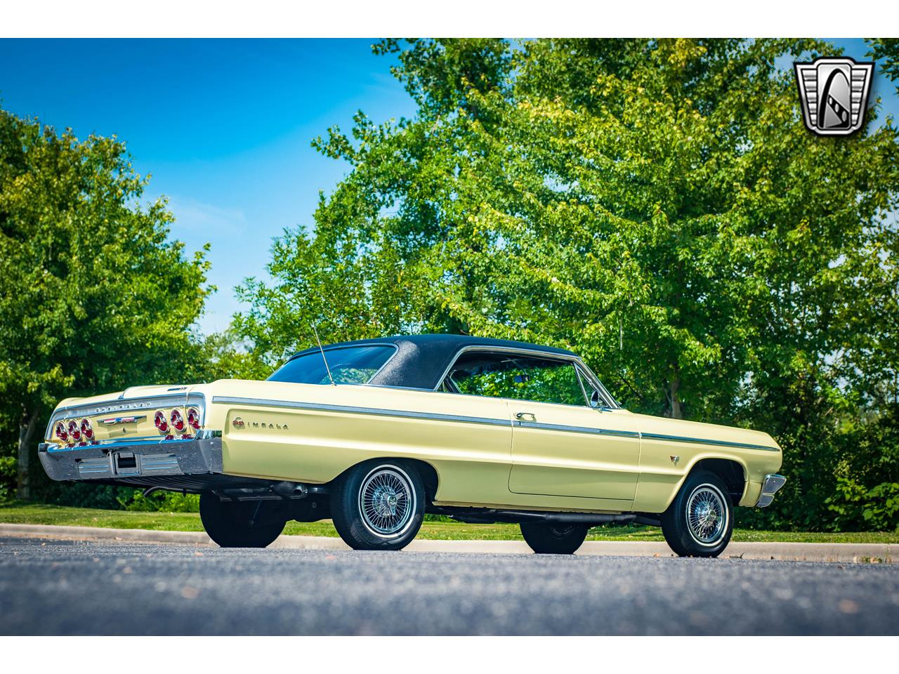 Large Picture of Classic 1964 Chevrolet Impala Offered by Gateway Classic Cars - St. Louis - QRDR