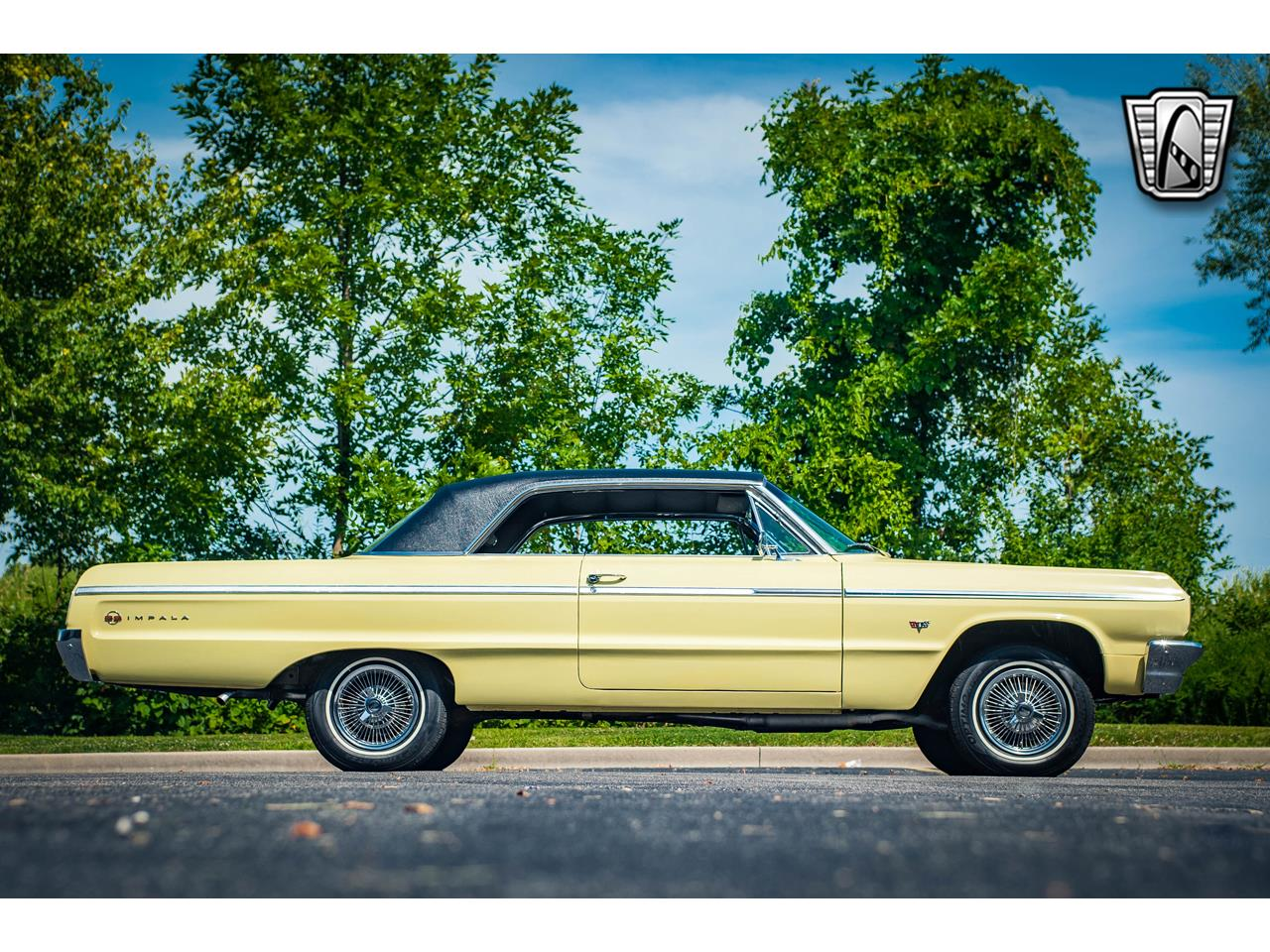 Large Picture of Classic 1964 Chevrolet Impala located in O'Fallon Illinois - $45,000.00 Offered by Gateway Classic Cars - St. Louis - QRDR