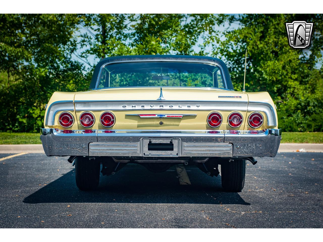 Large Picture of '64 Chevrolet Impala - QRDR