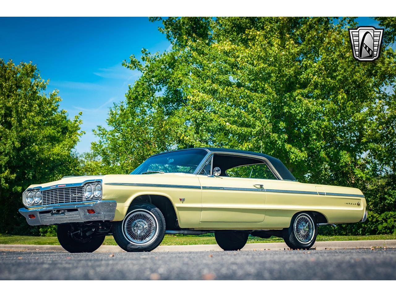 Large Picture of Classic 1964 Chevrolet Impala located in O'Fallon Illinois - QRDR